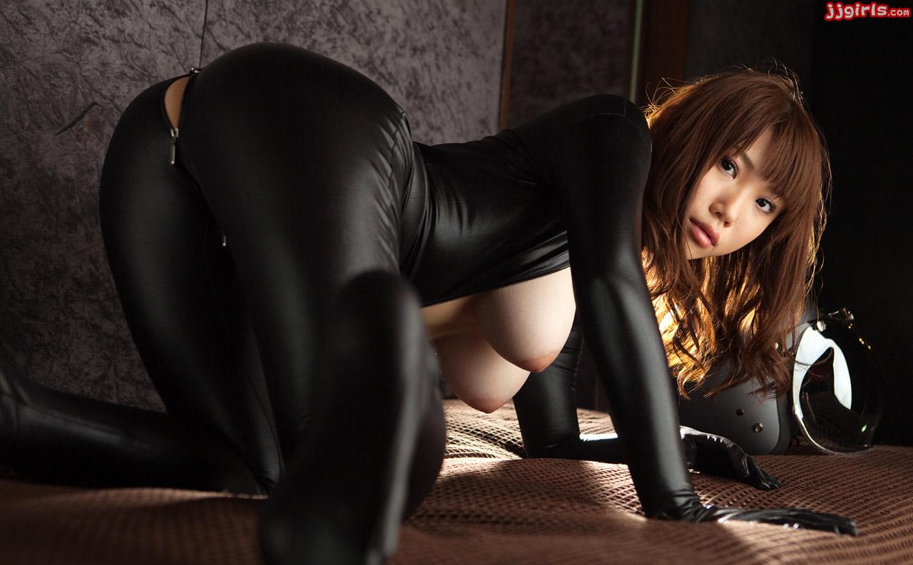 porno-aziatka-v-losinah